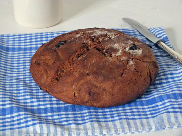 homemade wholegrain walnut bread