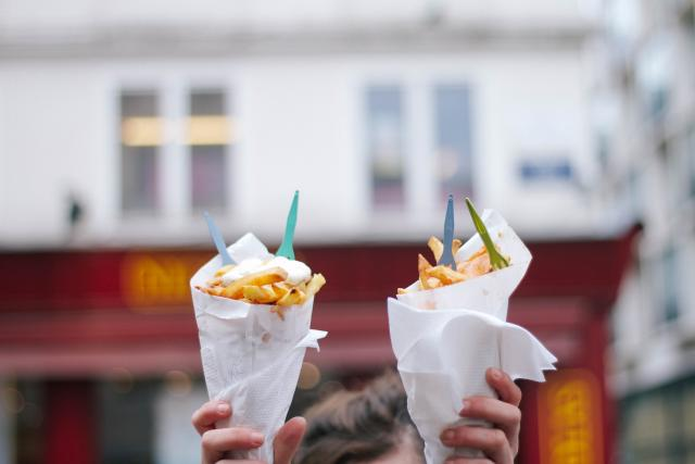 2015-03-Life-of-Pix-free-stock-photos-food-fries-street-food-sauce-forks-cornet-BXL-Sarah-Babineau (1)