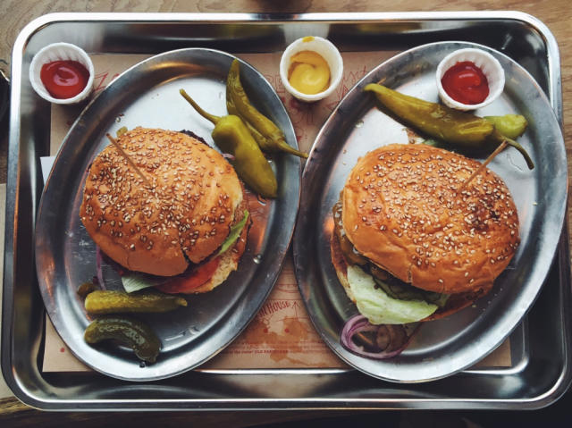 Links and Memories: Burger Lunch at What's Beef | Hanna's Places